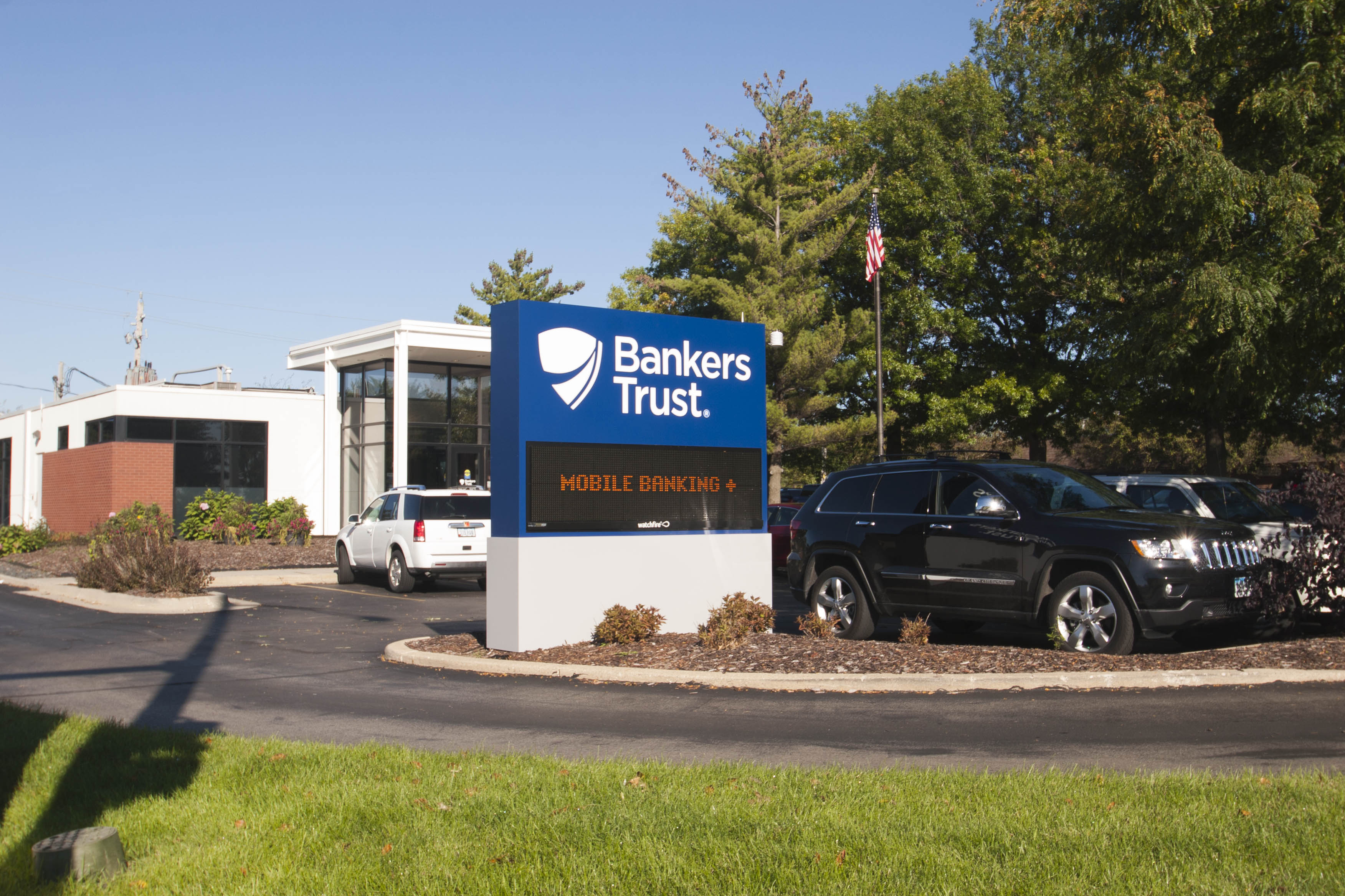 Bankers TrustCorporate Aluminum,Digital,Custom Sign
